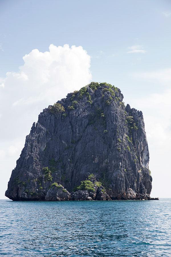 Iconic limestone formations in El Nido, Palawan