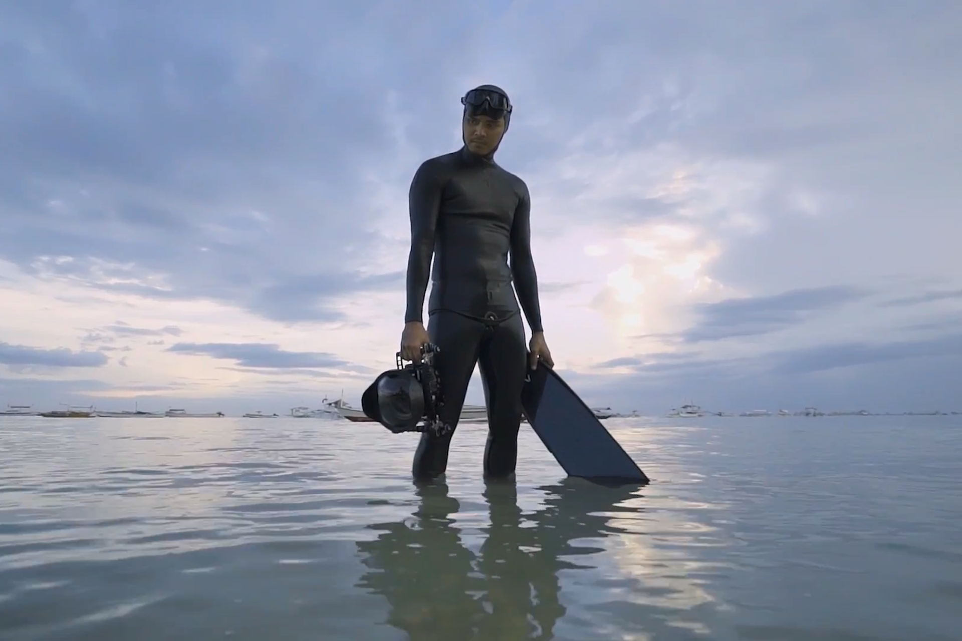 Tribute Freediver depicts the story of national freediving record-holder Martin Zapanta, and how conquering his fears propelled a passion for photographing the deep blue on a single breath.