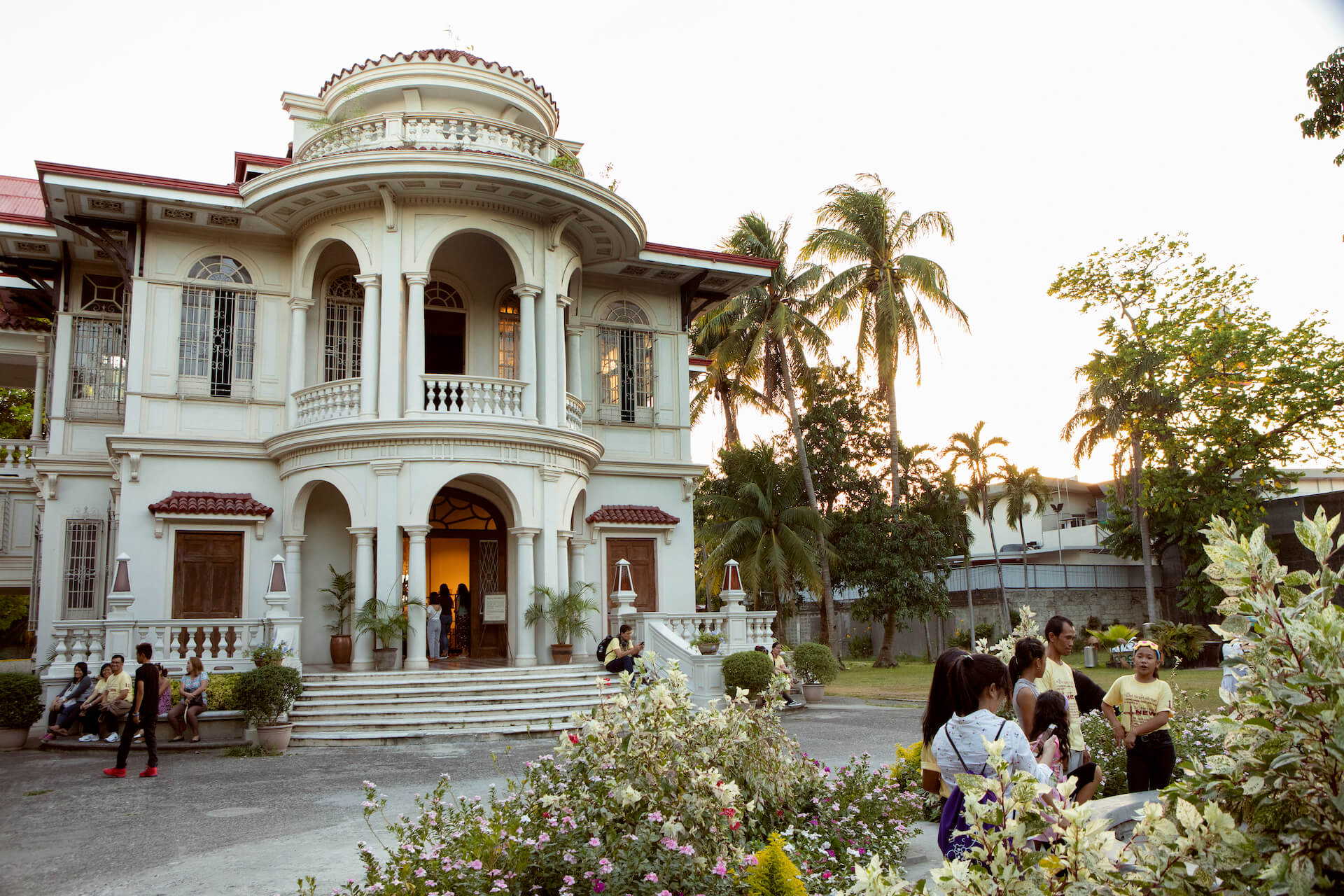 The Molo Mansion was the ancestral house of Lacson-Yusay family from Molo, photo by Miguel Nacianceno