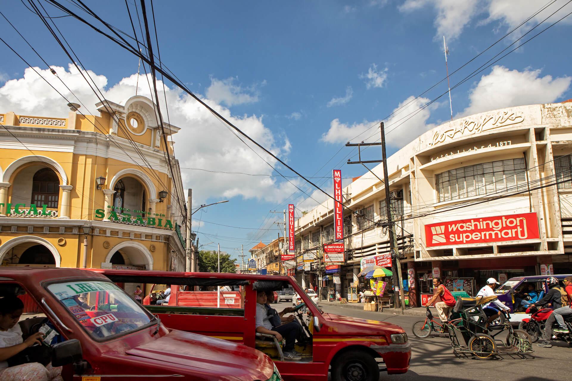 Busy Iloilo roads, photo by Miguel Nacianceno