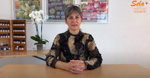 Sibylle Broggi vermittelt fundierte Grundlagen der Aromatherapie
