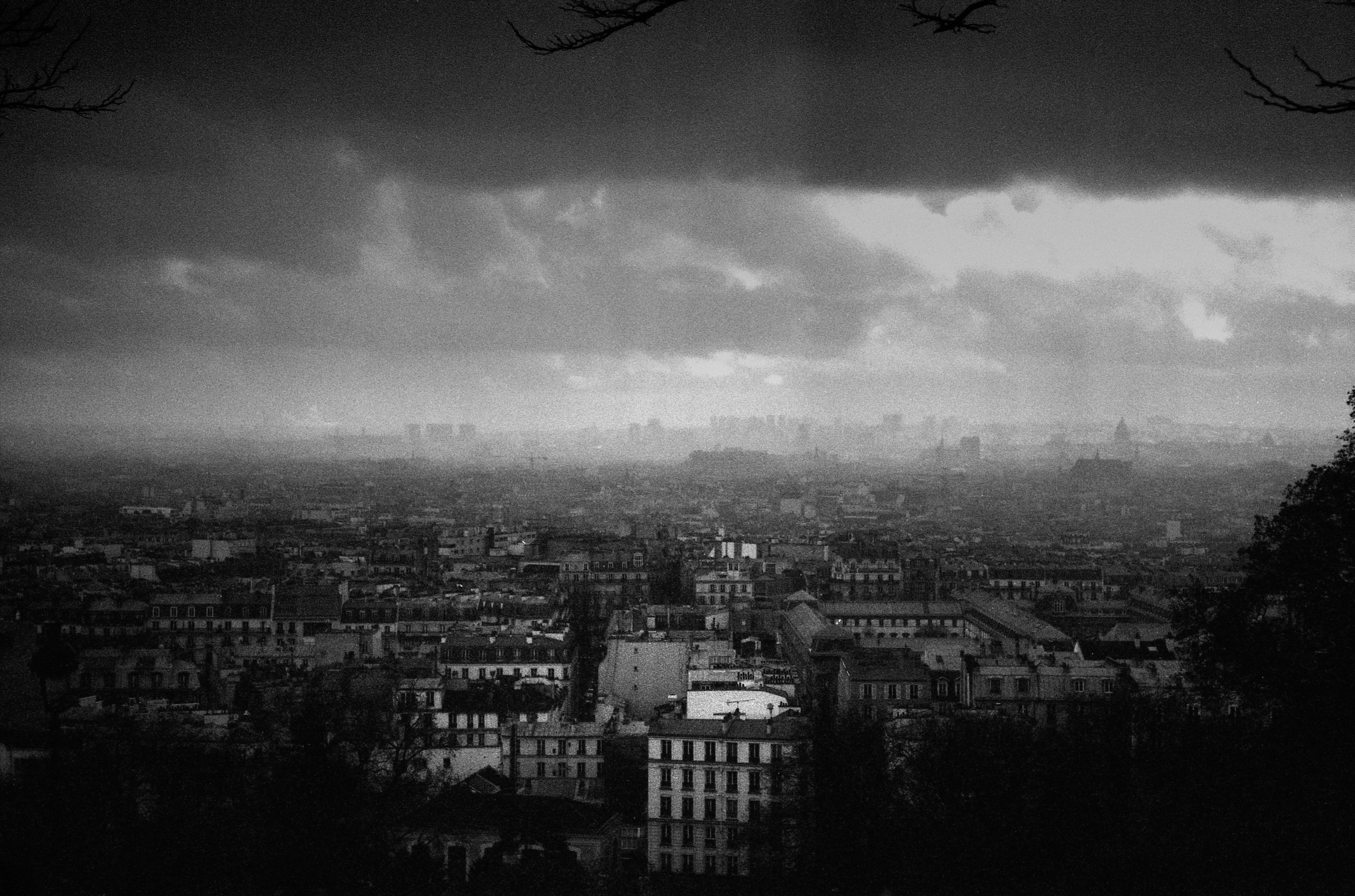 Black and white print of the city of Paris