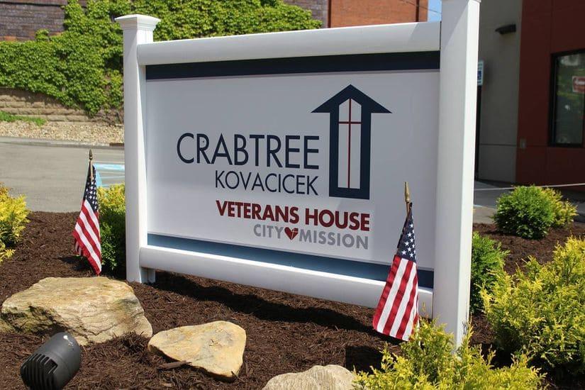 veterans house sign