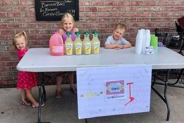 mish kids running a lemonade stand