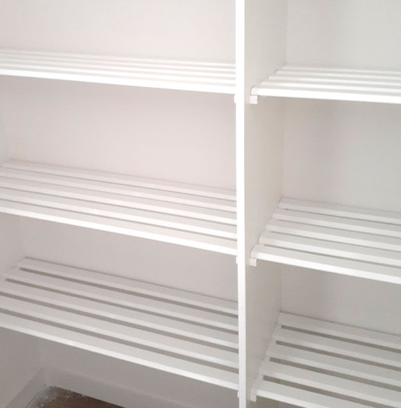 Slatted storage shelving