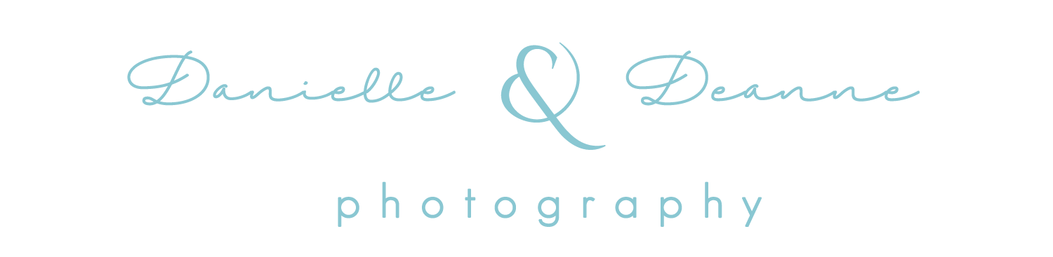danielle and deannea photography logo