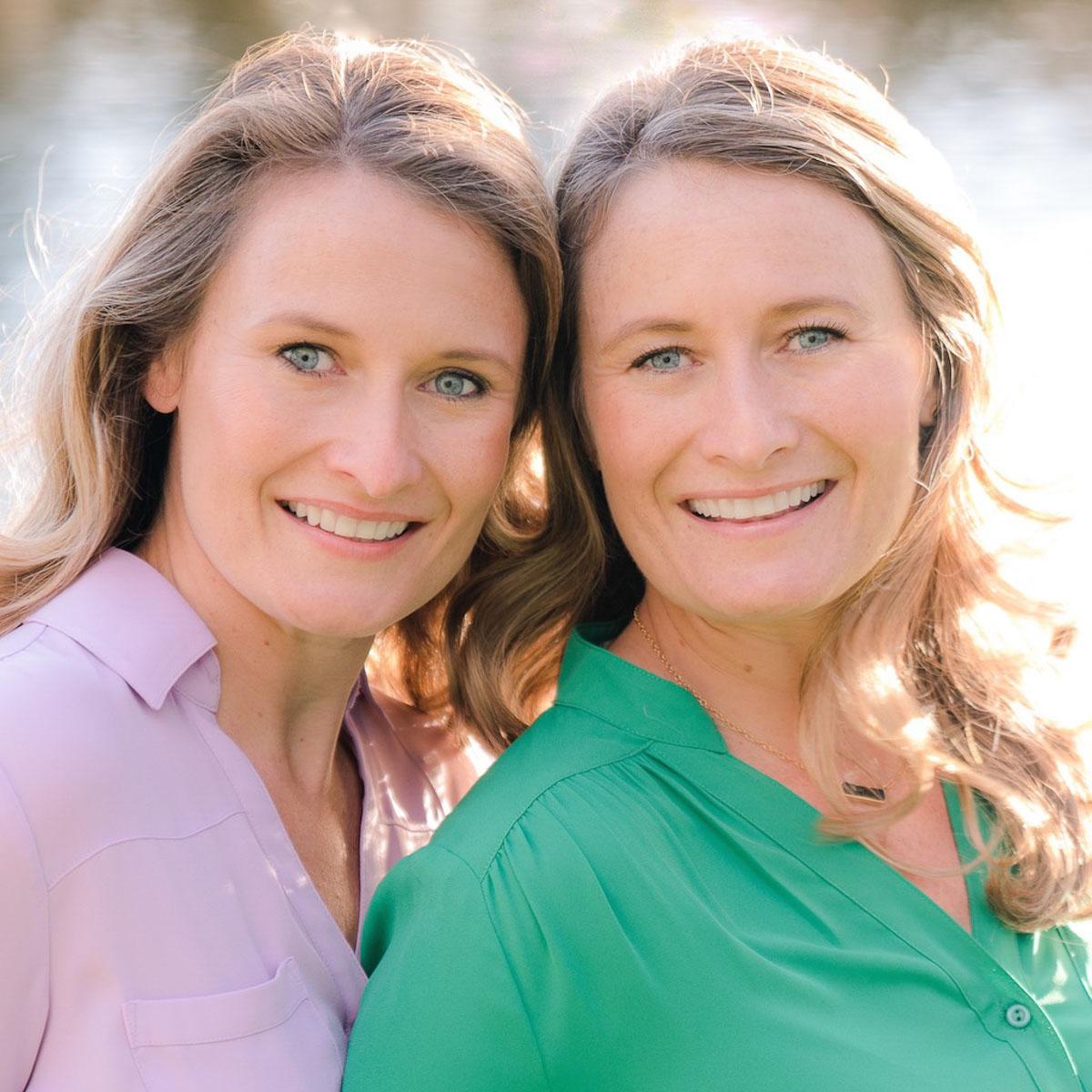 identical twin women