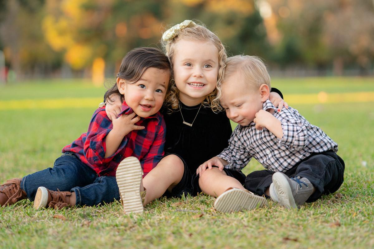 fall family photo cousins