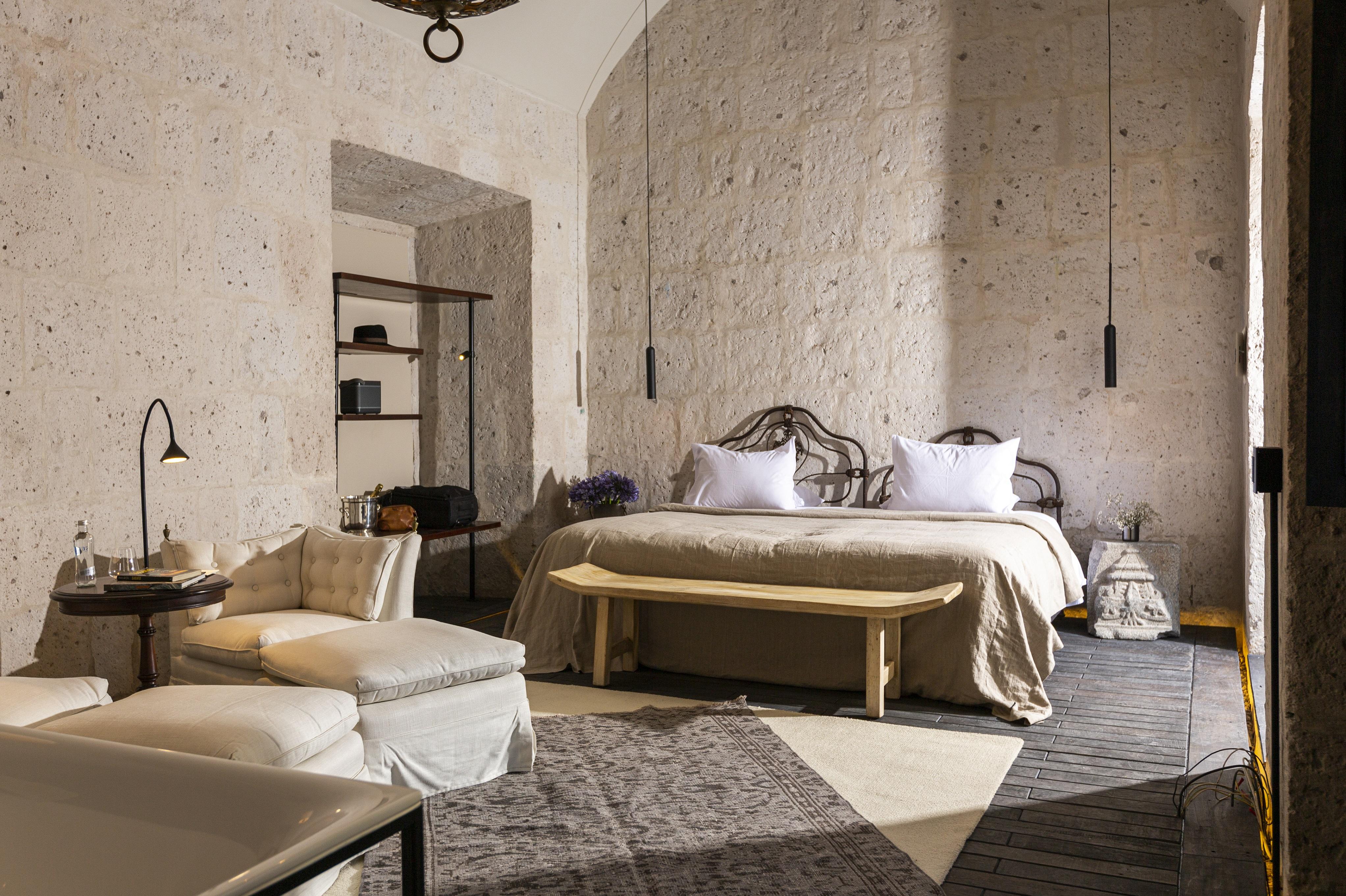 CIRQA Boveda Room
