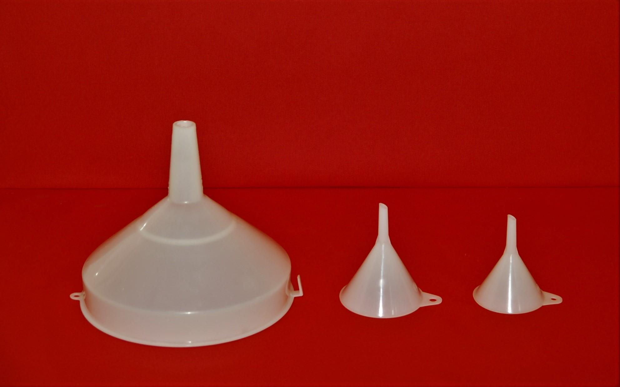 Entonnoirs plastique