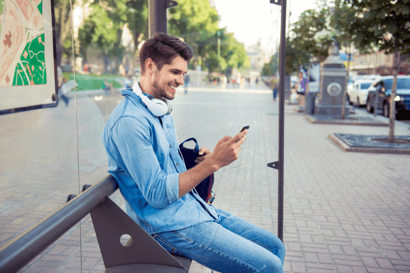 5 Conversational SMS Marketing Examples Done Right
