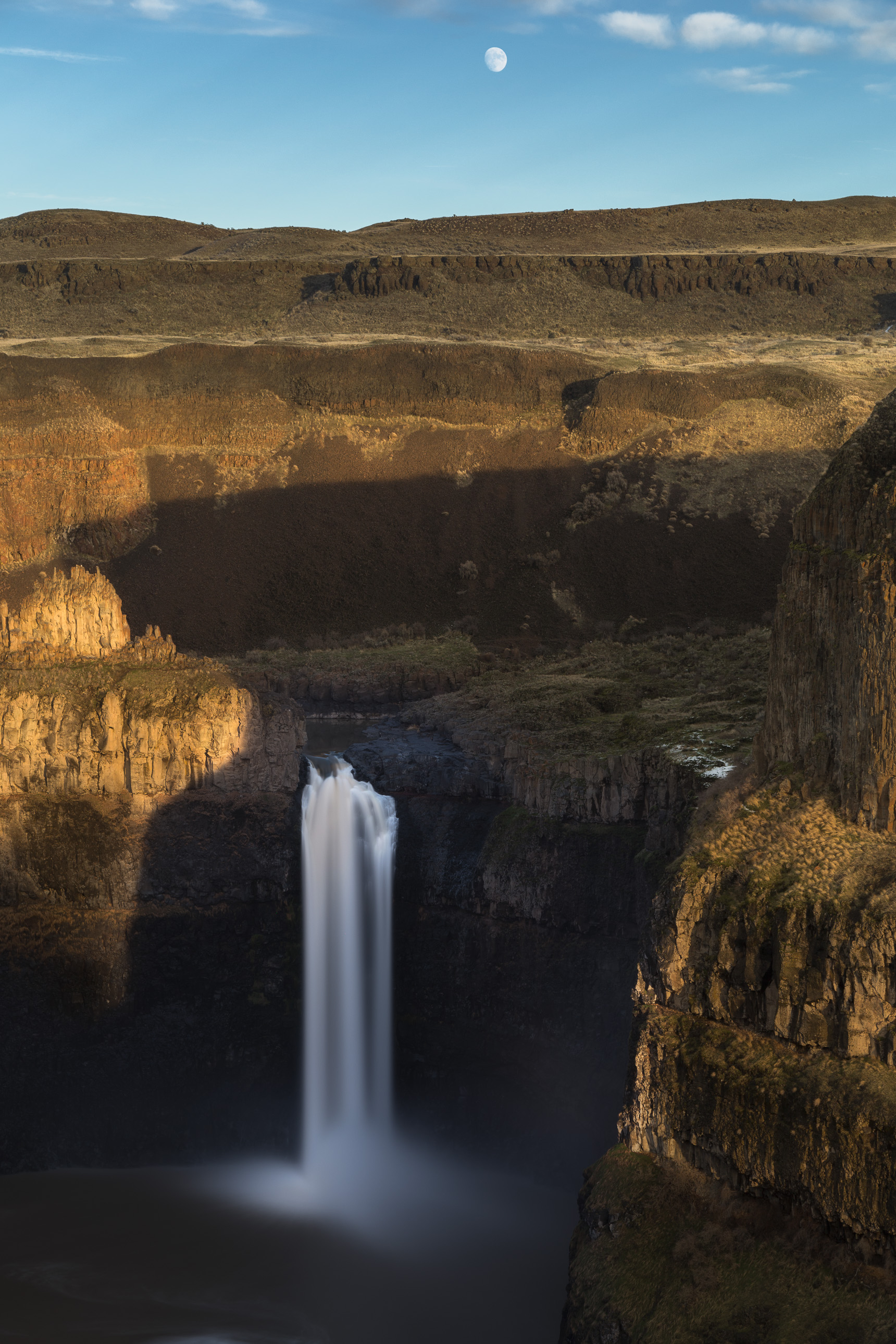 Palouse Falls and the Moon