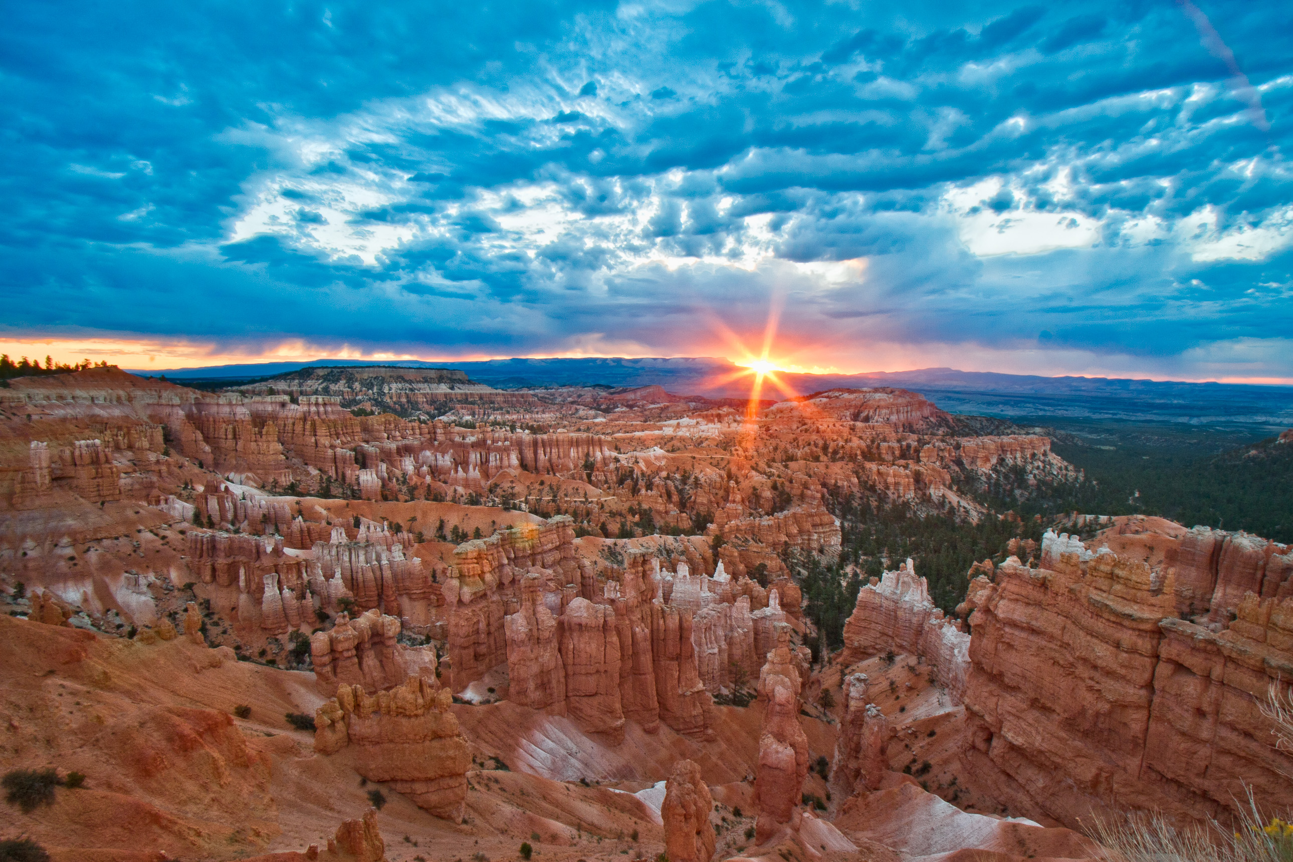 Bryce Canyon sunrise from Sunset Point