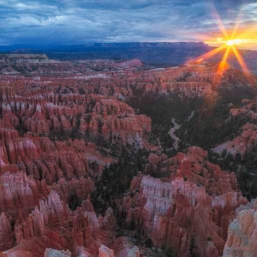 Bryce Canyon sunrise from Inspiration Point