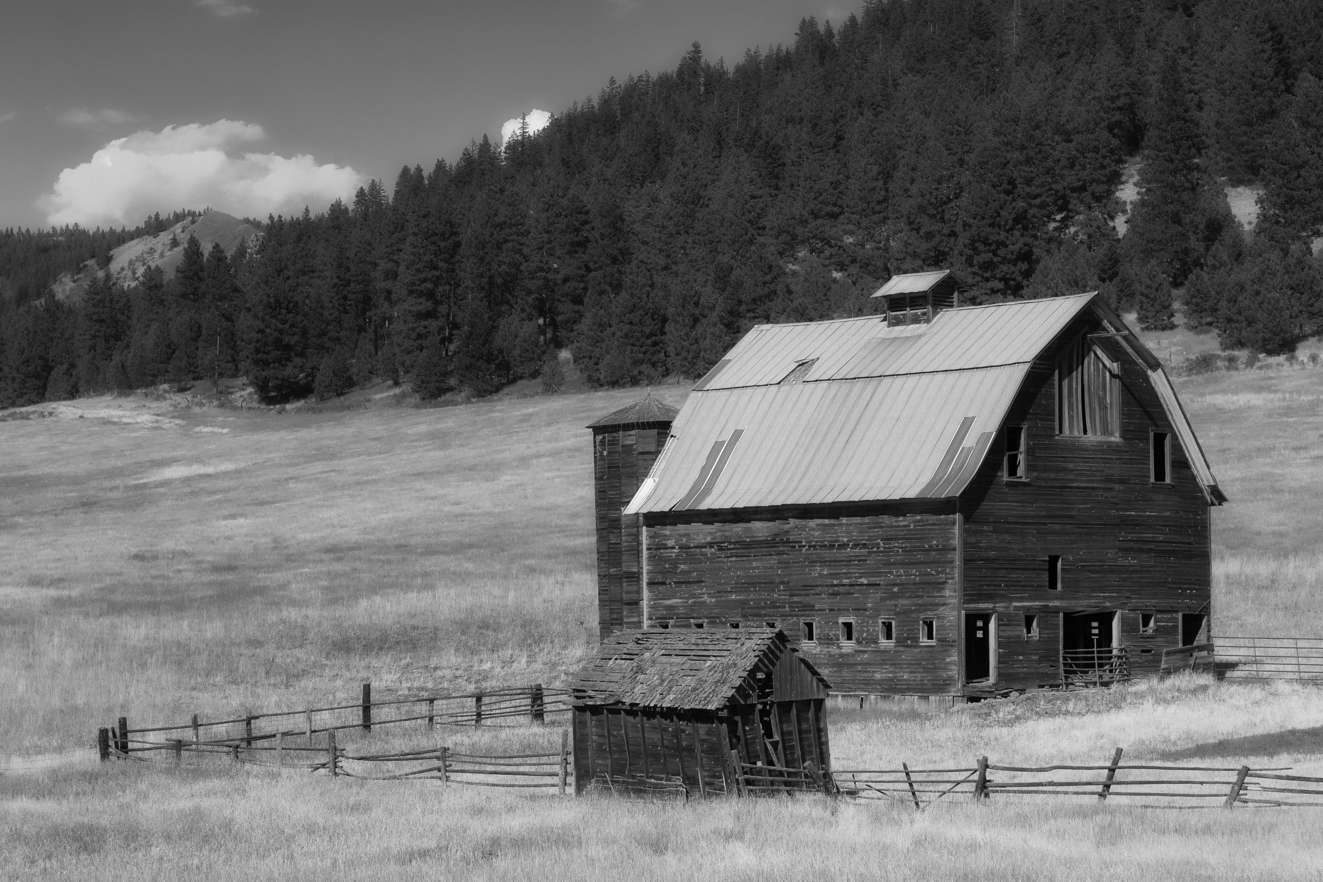 Old barn near Cle Elum Washington