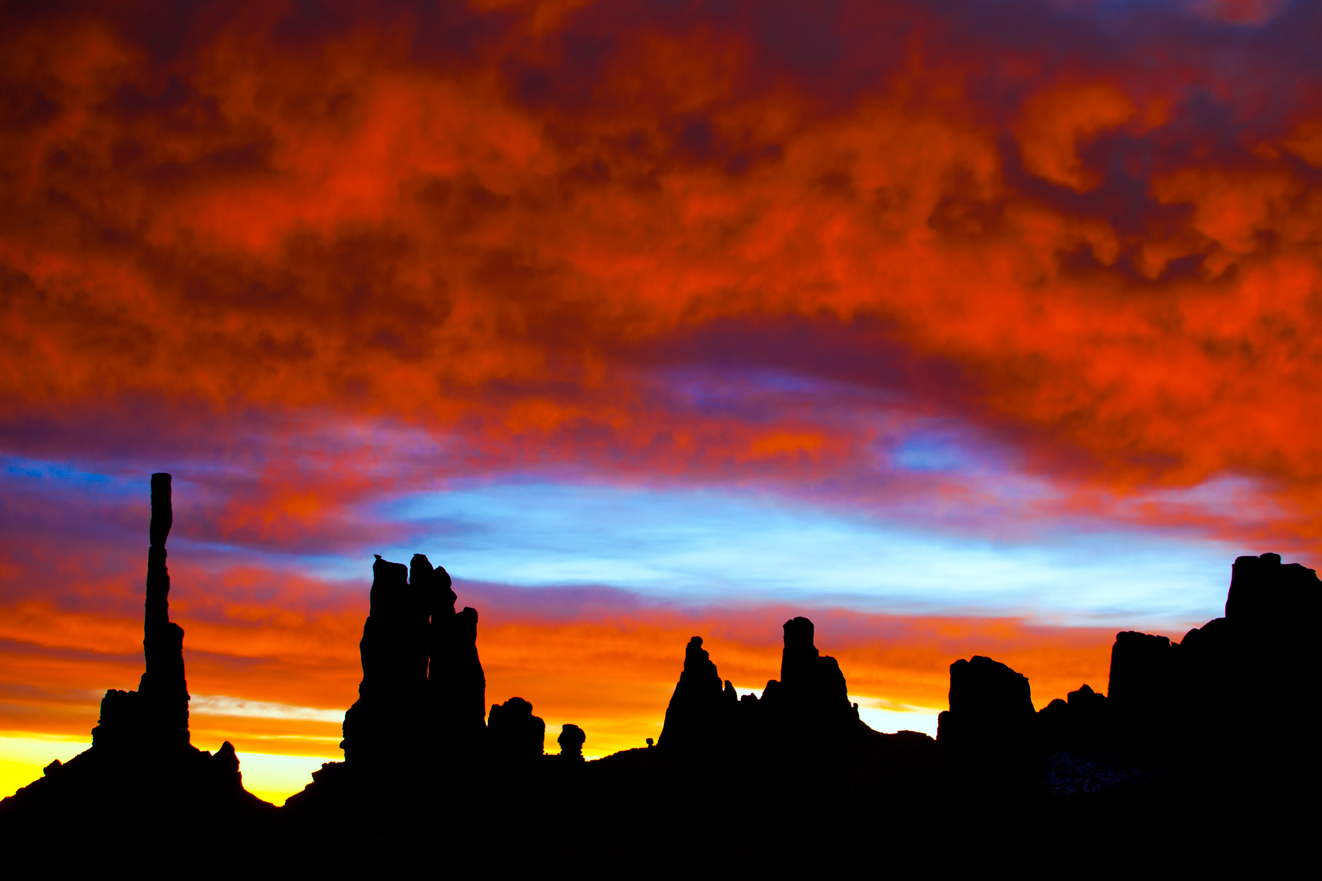 Monument Valley Totem Pole at sunrise