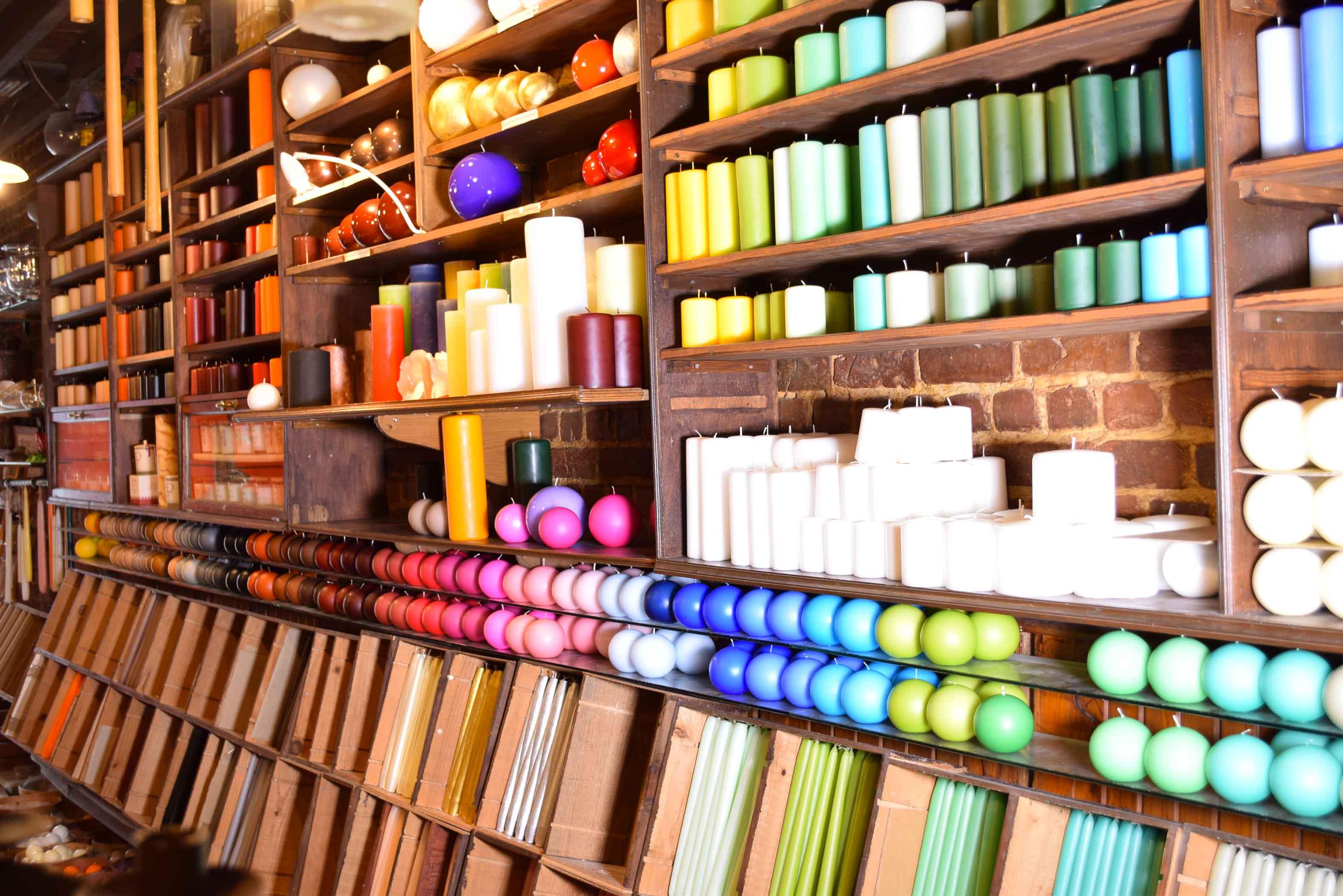 Photo de l'intérieur du magasin de bougies, Bougies Gommers.