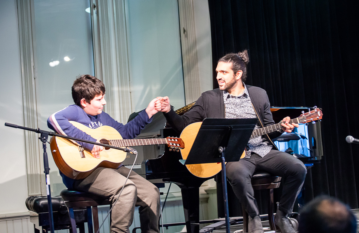 guitar lessons near me for kids and adults in aurora ontario canada