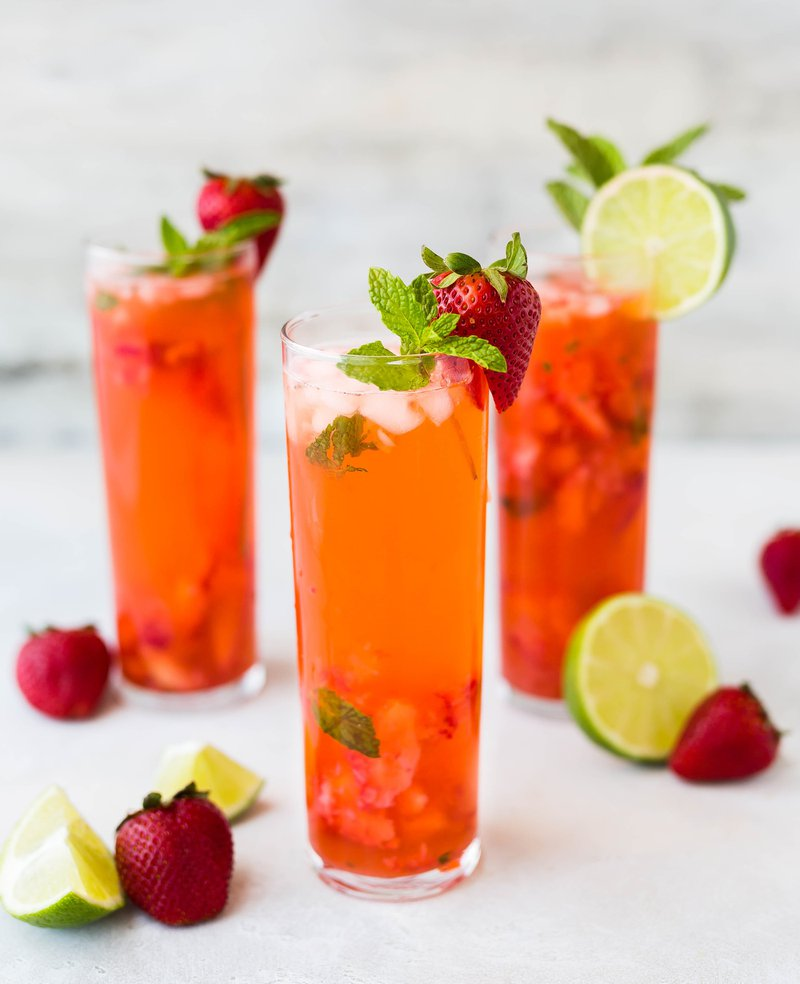 Strawberry cocktail drinks that boosts the immune system