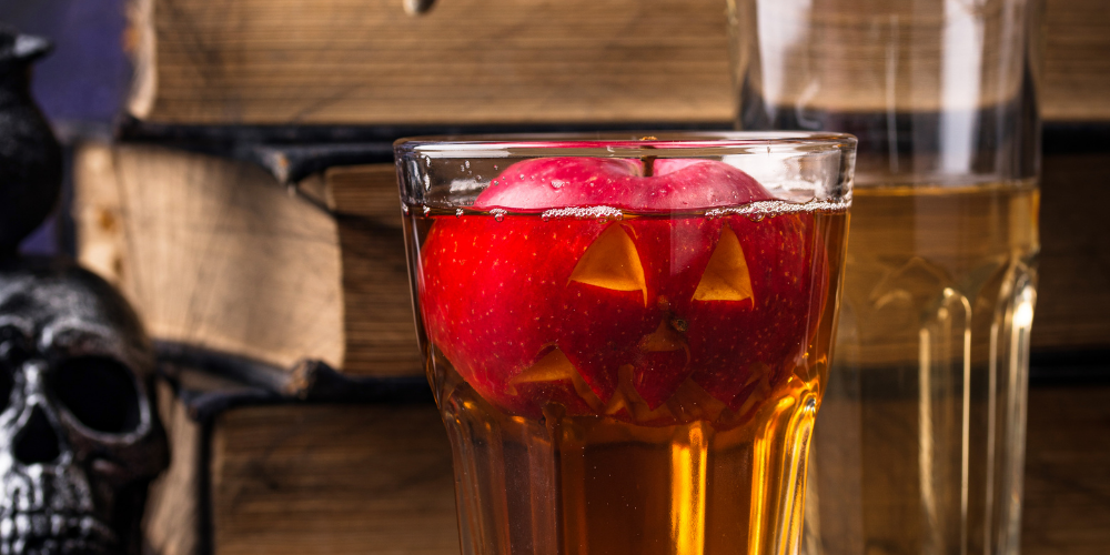A Photo Of An Apple Cider Drink