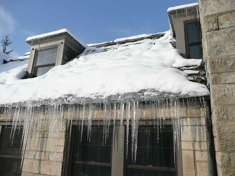 How to Look for Ice Dam Damage to Roof