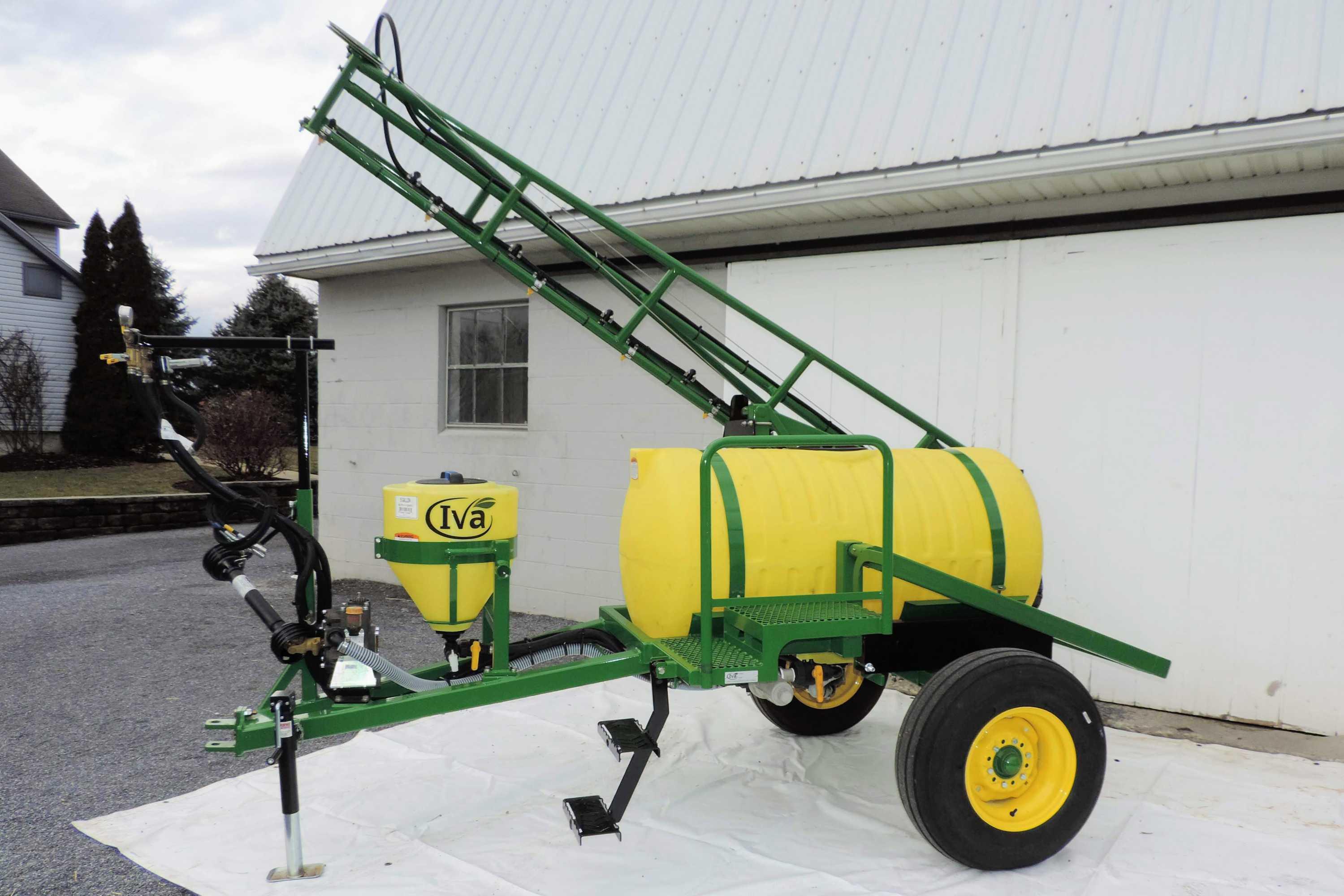 200 gallon trailer produce sprayer with 25' single sided boom