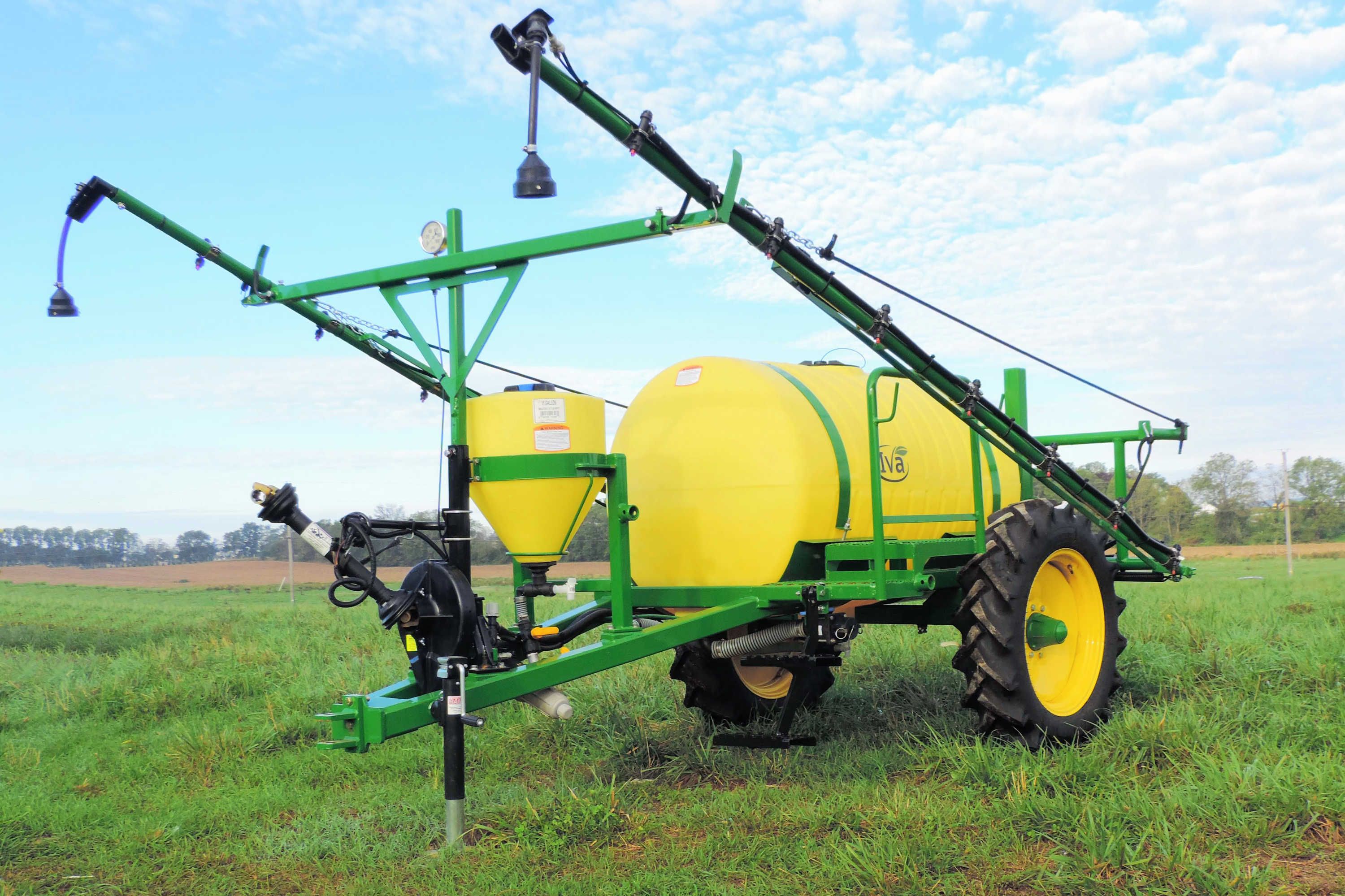 300 gallon Trailer Field Sprayer with 30' booms 9.5-28 Tall Tires