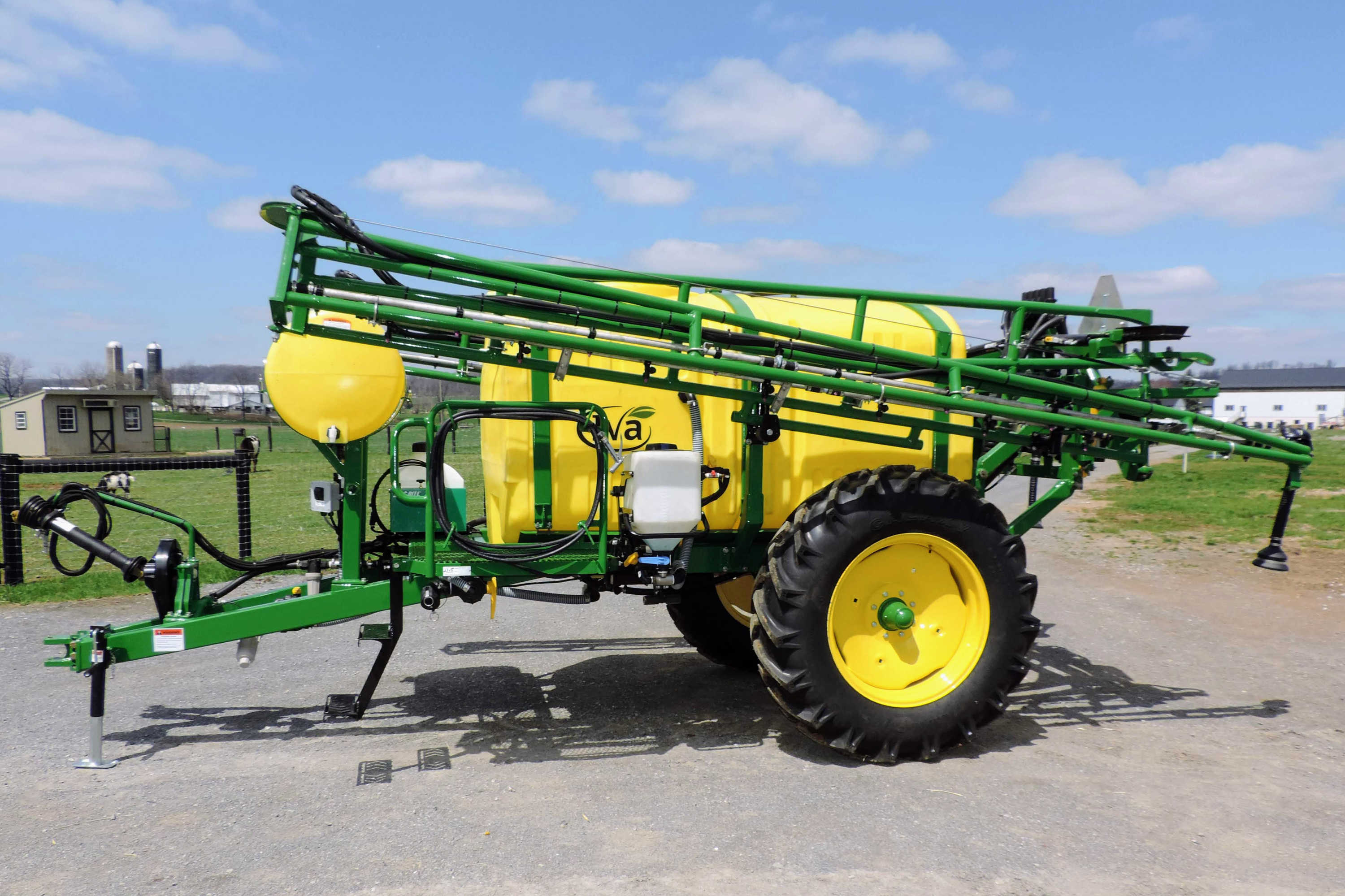750 gallon Field Sprayer with 60' AirRide Booms