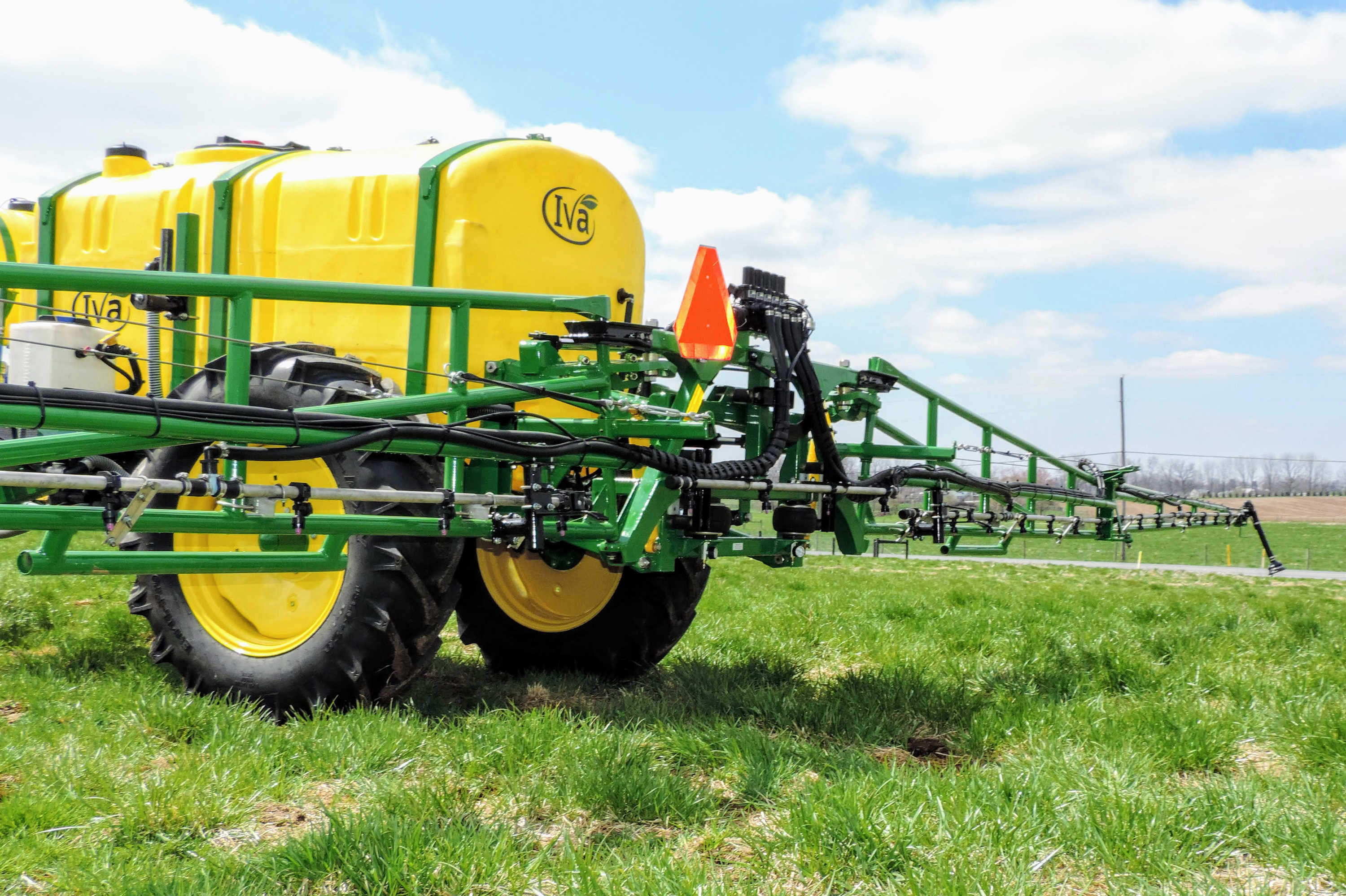 rear view of 750 gallon Field Sprayer with 60' AirRide Booms