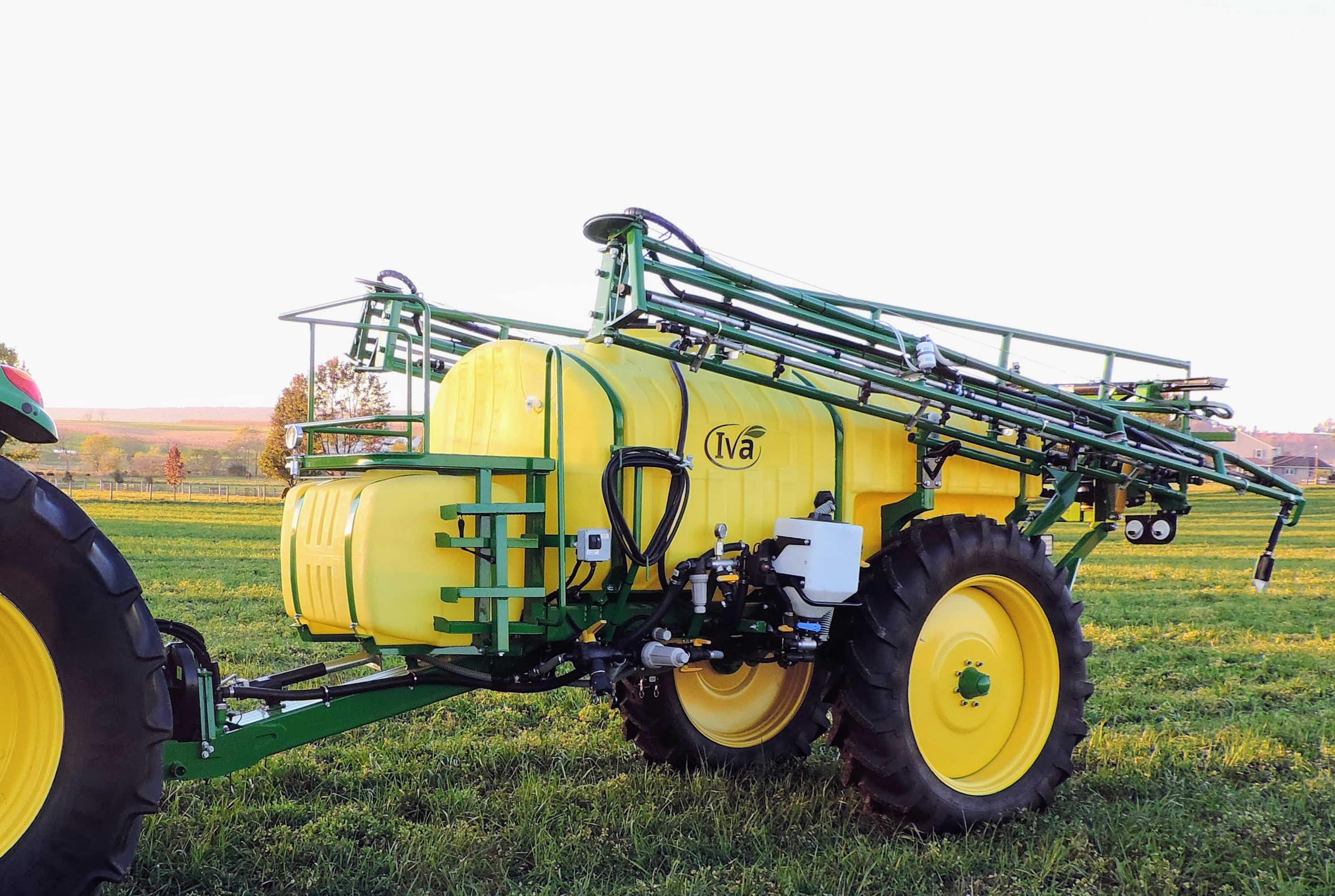1000 gallon Trailer Field Sprayer with 60' AirRide Booms