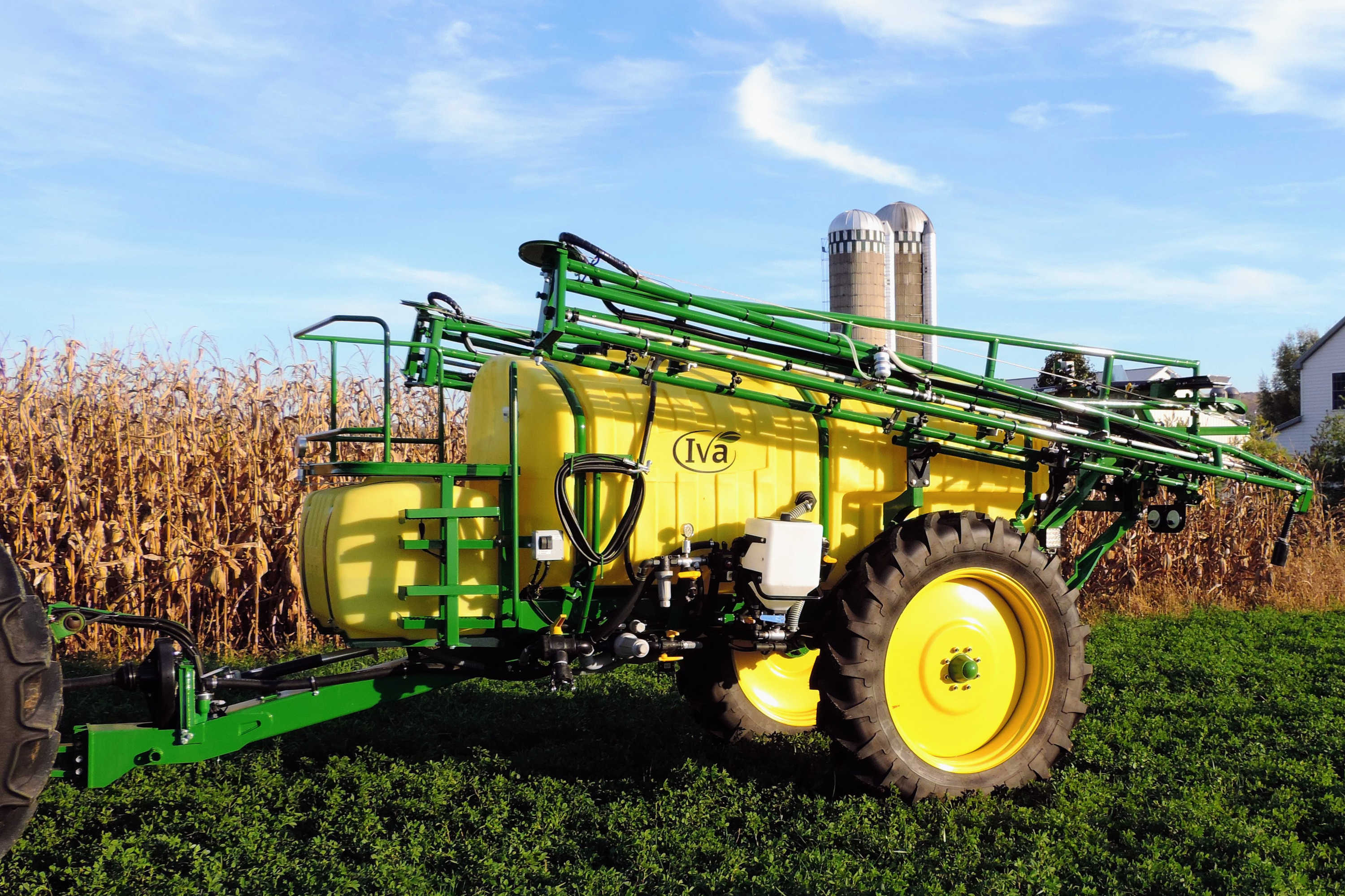 1000 gallon Ag Sprayer with with 60' AirRide Booms