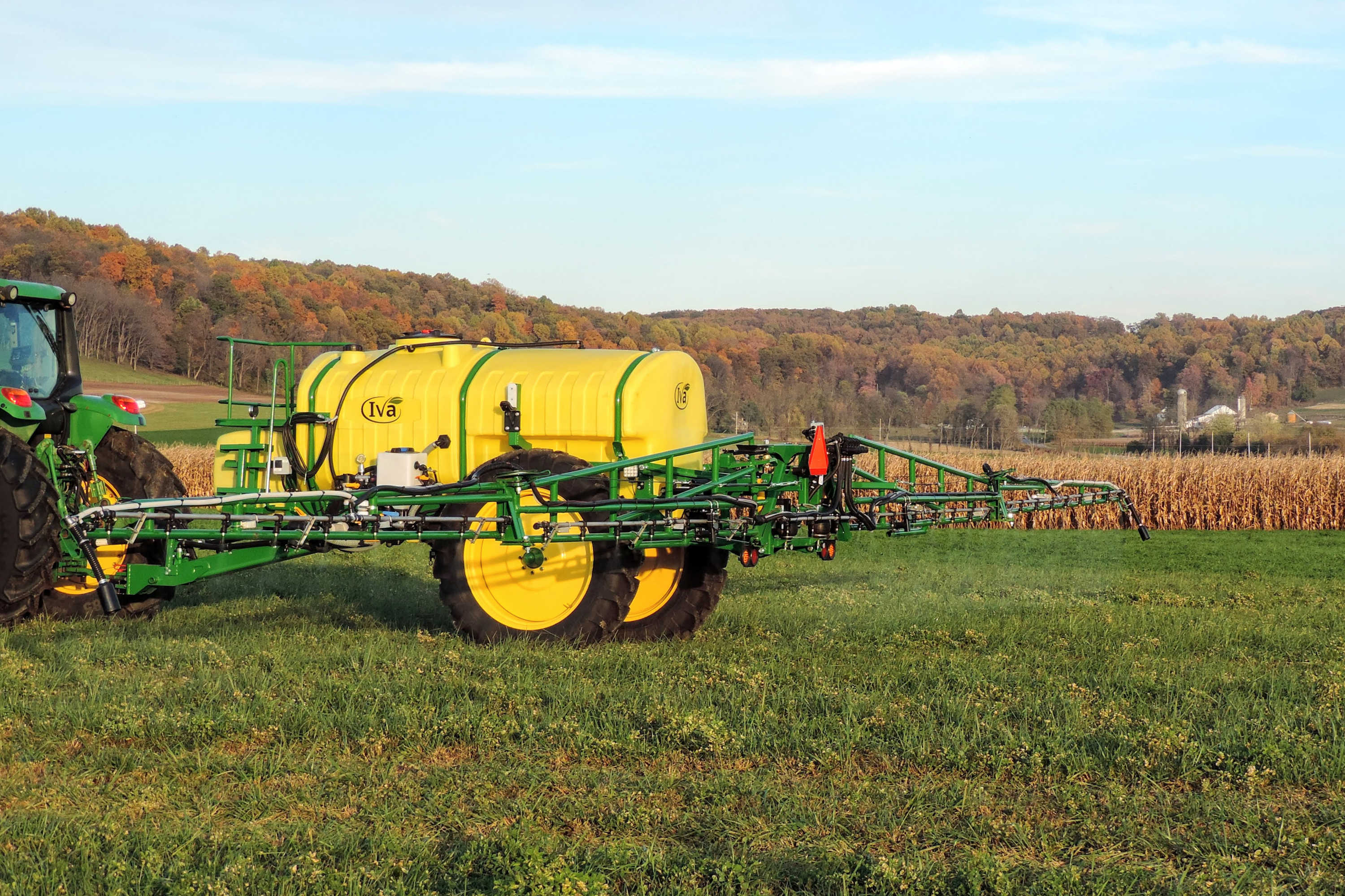 rear view of 1000 gallon Field Sprayer with 60' AirRide Booms