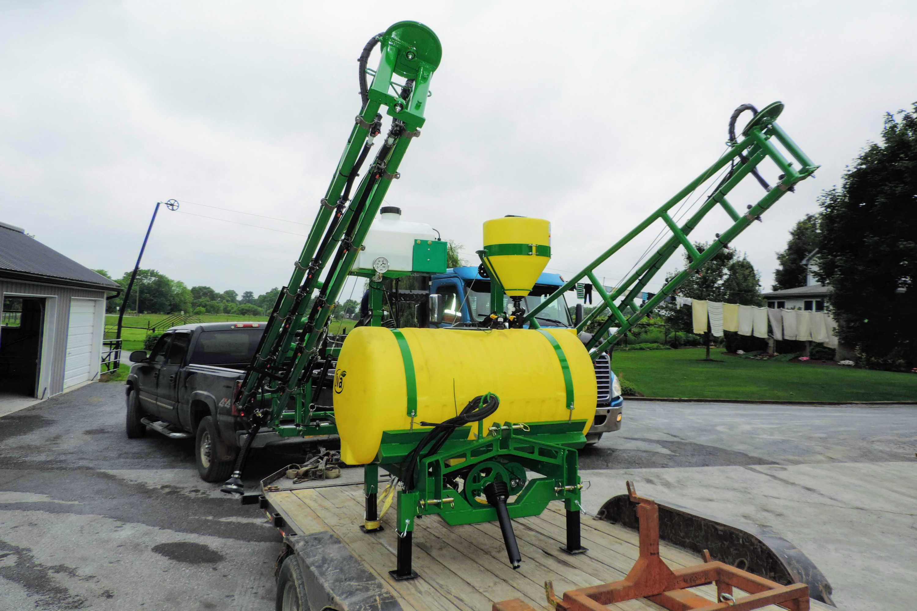 200 gallon 3-point Hitch Mounted Sprayer with 45' SpringRide booms