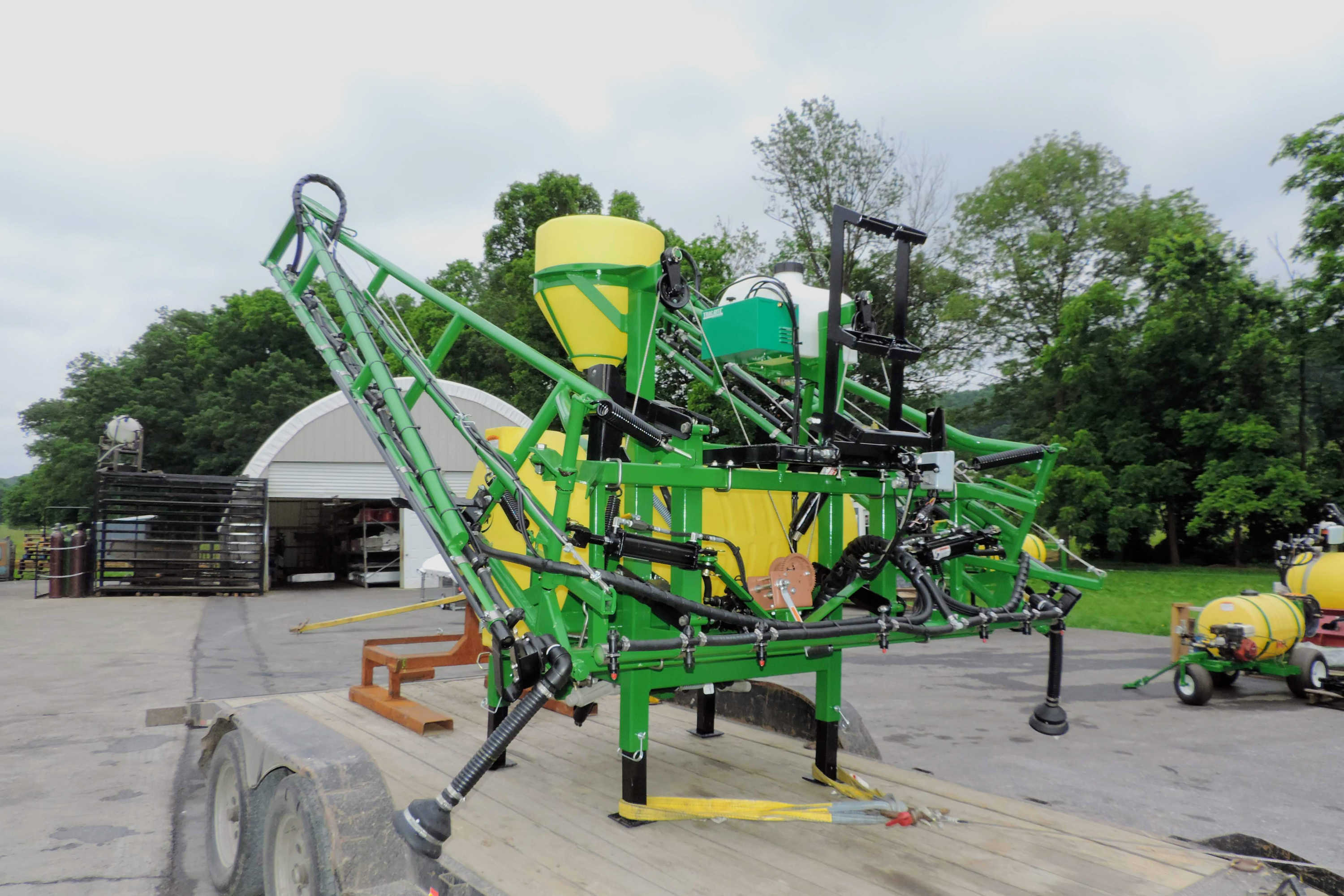 200 gallon 3-point Hitch Crop Sprayer with 45' SpringRide booms
