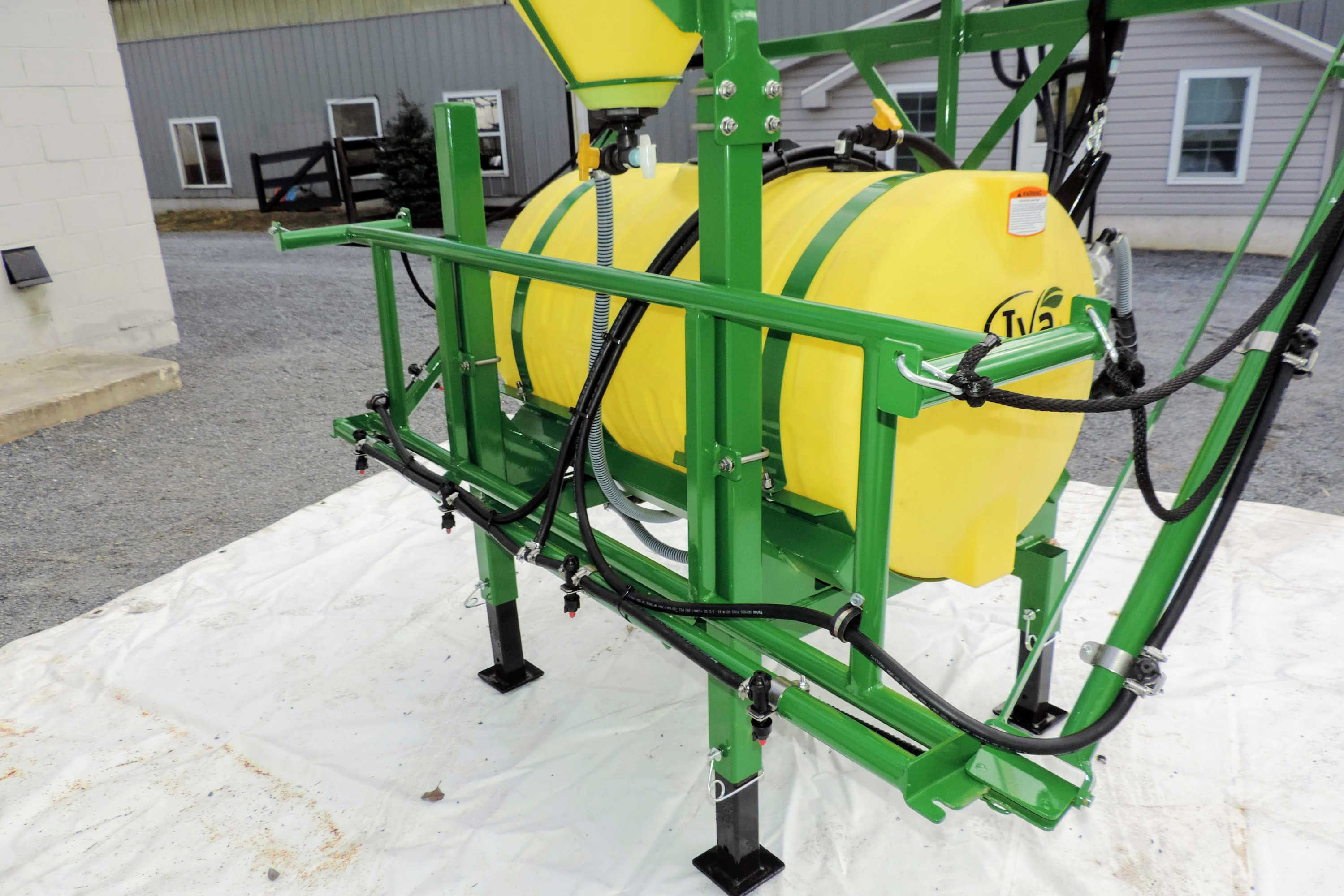 150 gallon 3-point Mounted Sprayer with 30' manual-fold booms