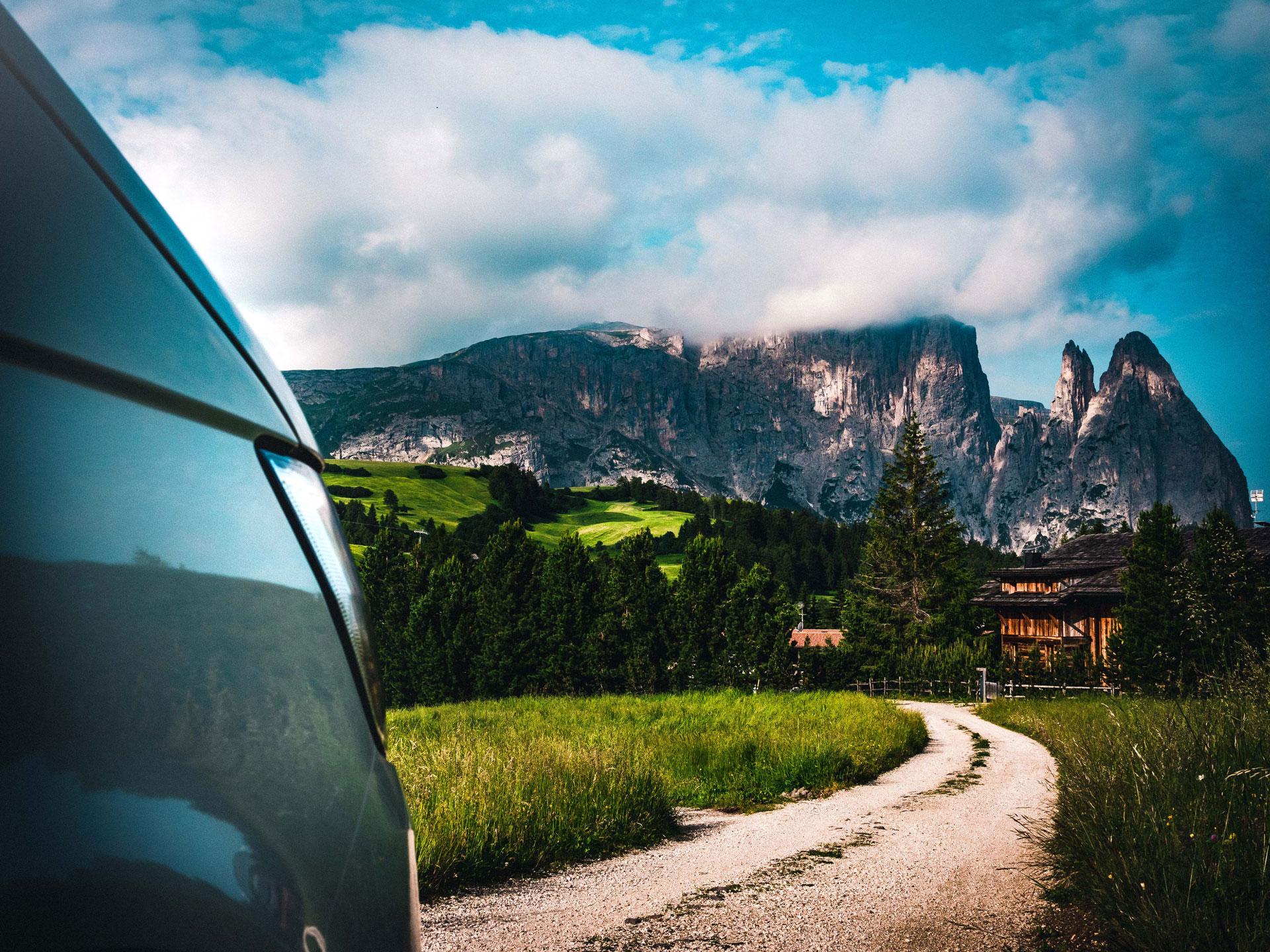 Mit VW Bulli in den Dolomiten