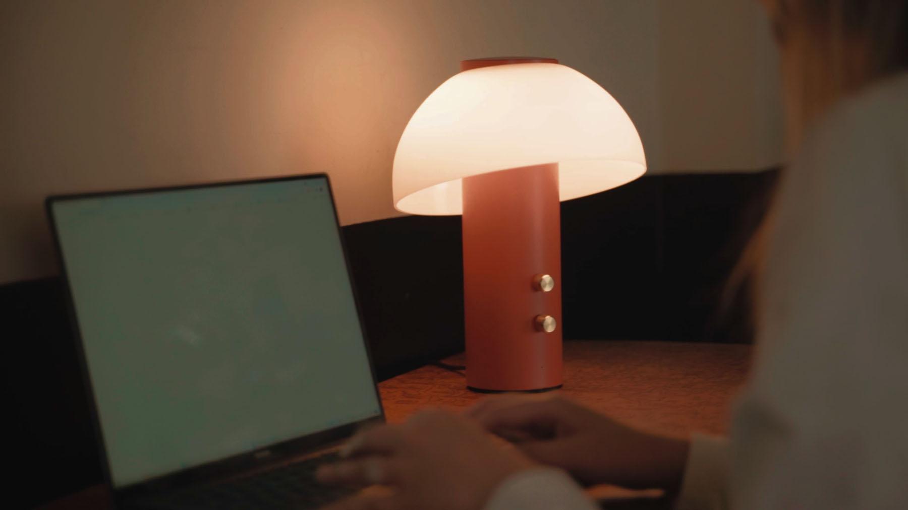 Jaune Fabrique - Luminaire acoustique Piccolo - Lampe de bureau