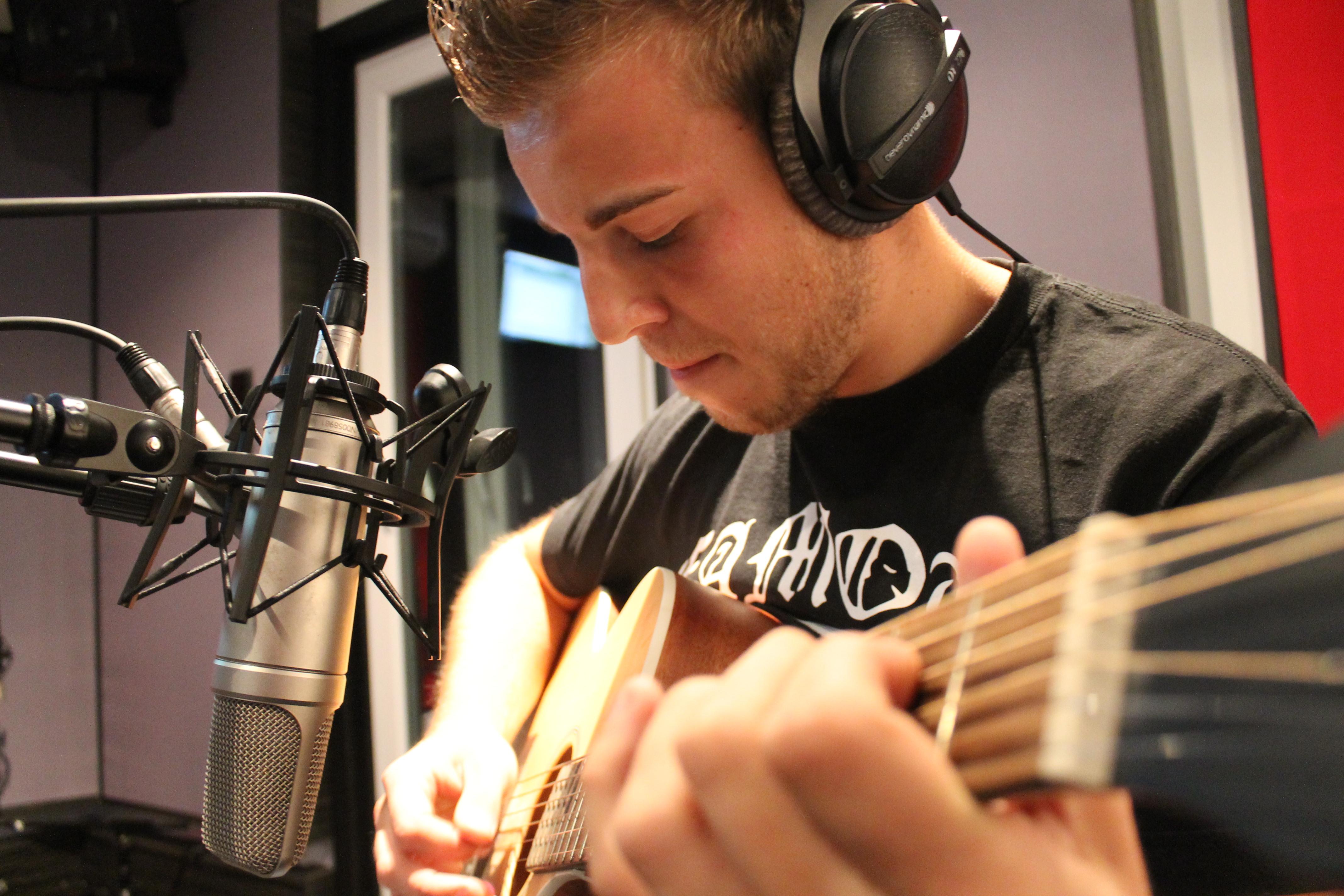 Soundhouse7 Guitar Recording