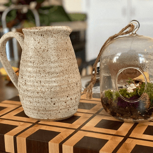Learn how to make a pinch pot with pottery expert Dana.
