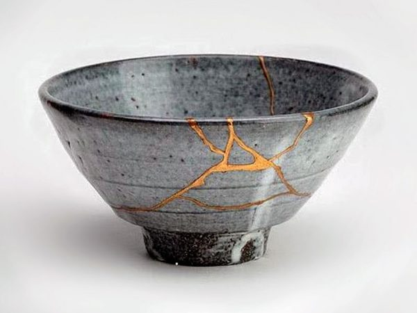 The at-home kintsugi workshop, fully supplied by the Master Peace Box, led by Dr. Alexa Altman.