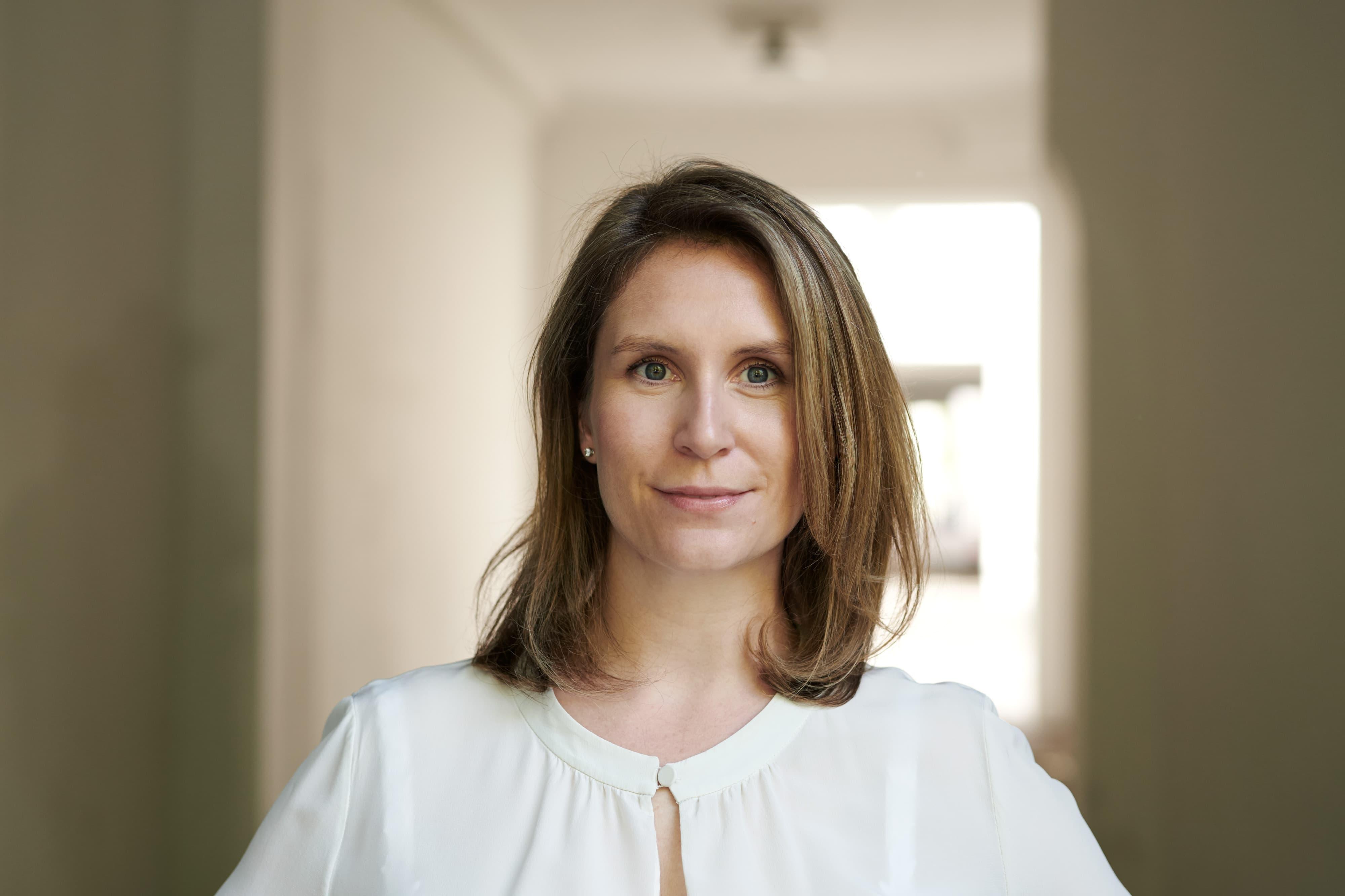 Dr. Nadine Brunner