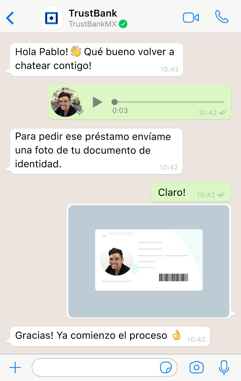 Conversación entre un agente en el live chat con IA de Aivo y un usuario utilizando imágenes, mensajes de voz y emojis.