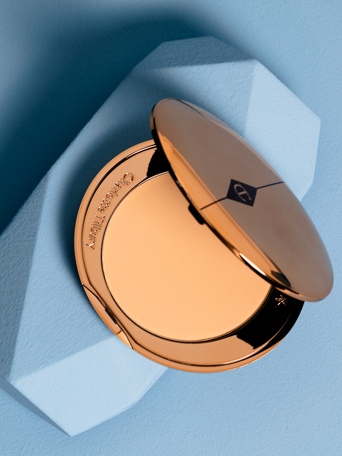 Currant Magazine presents a beauty holy grail: Charlotte Tilbury's Airbrush Flawless Filter.