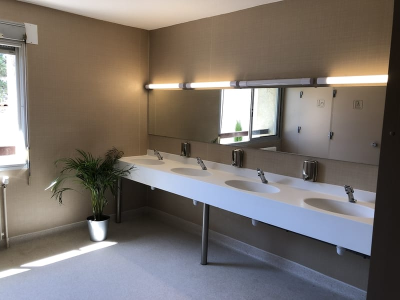 Bathroom of the French Touch Academy boarding school