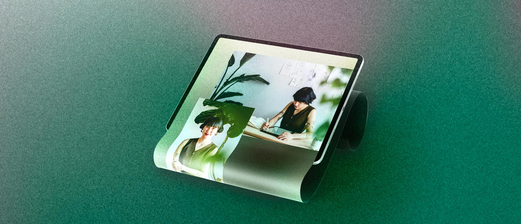 Ein Tablet auf grünem Hintergrund zeigt eine junge motivierte Unternehmerin.