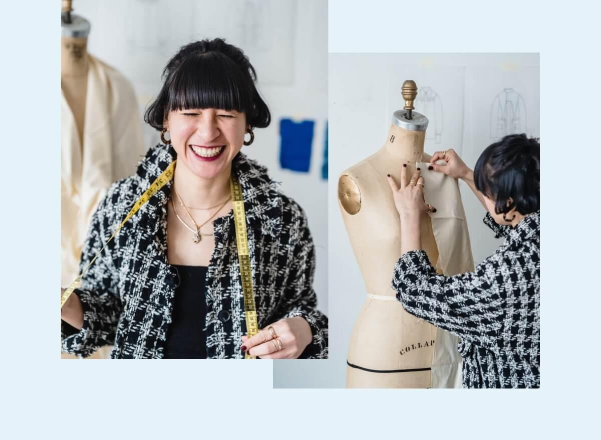 Eine junge Frau entwirft und schneidert Kleider an einer Stoffpuppe.