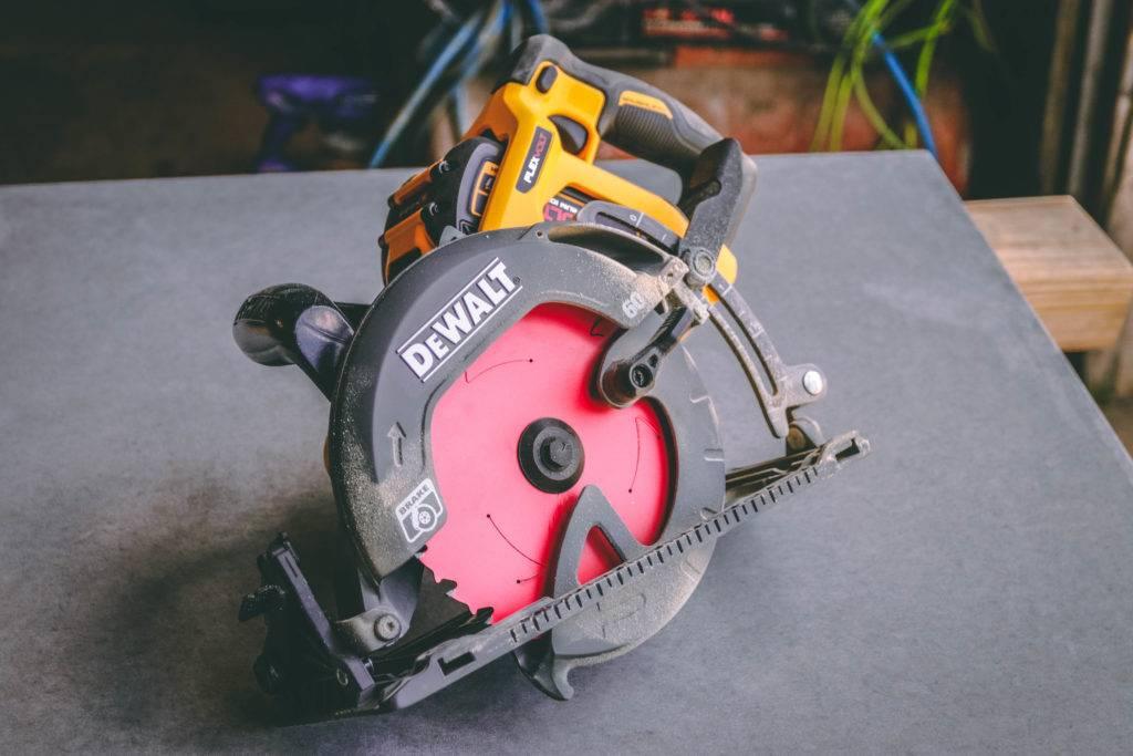 DeWalt Wormdrive Circular Saw Review