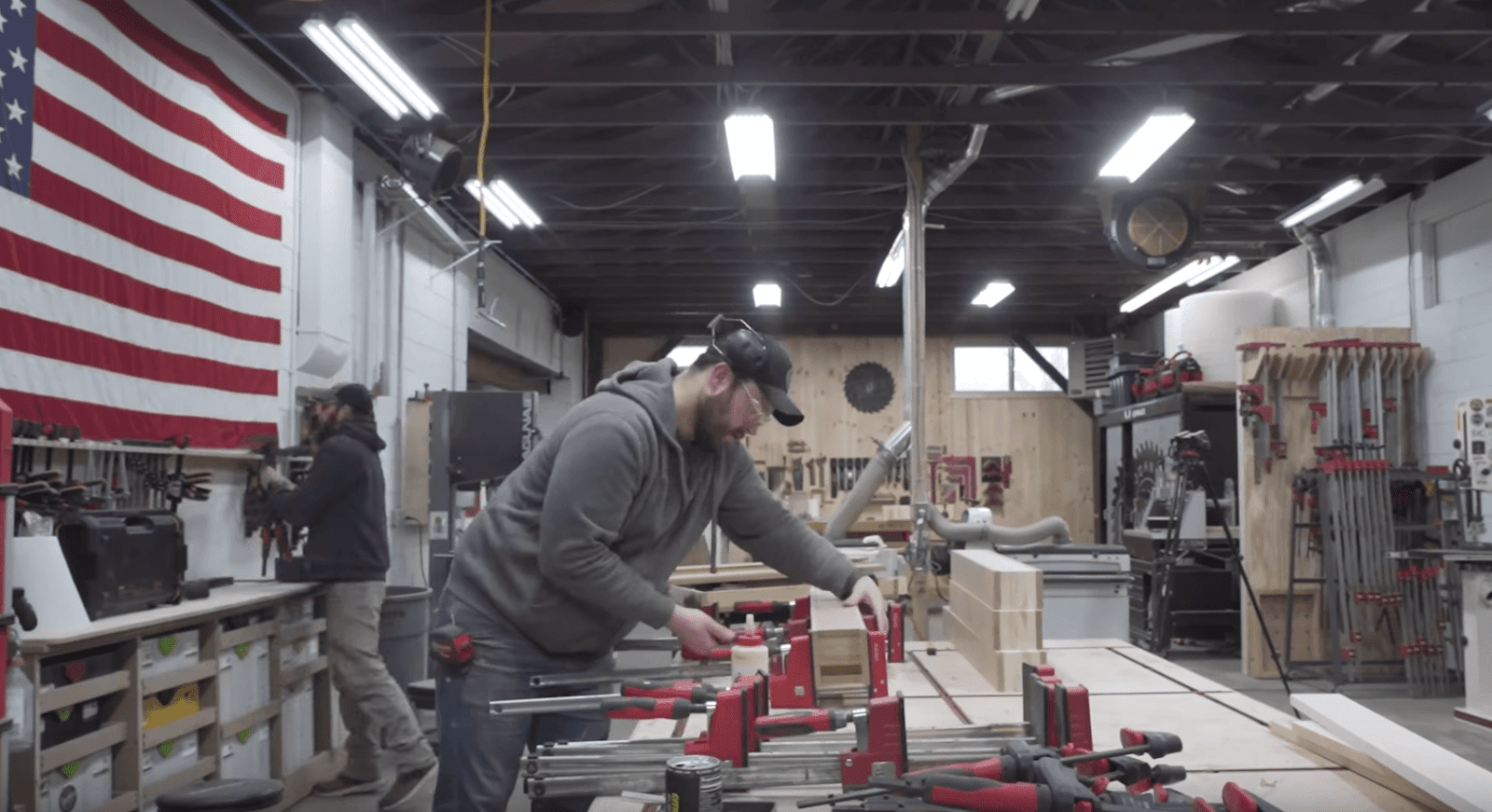 Metal leg table building