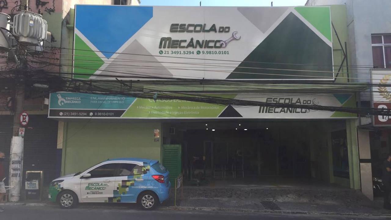 Avenida Brigadeiro Lima e Silva, 1072 - Duque de Caxias /RJ. CEP: 25.071-182