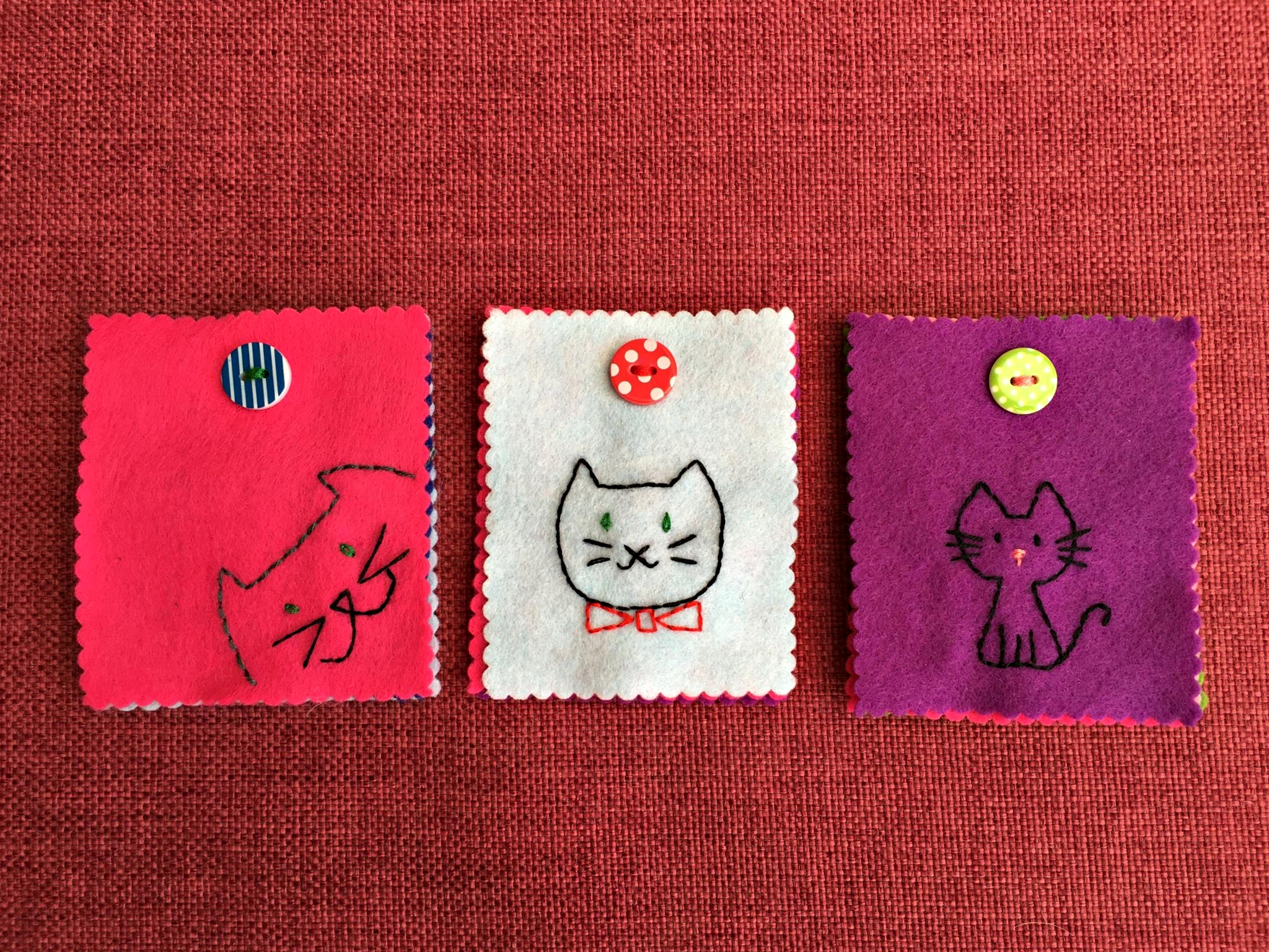 SALE - ONE LEFT! Pins & needles case for cat lovers!